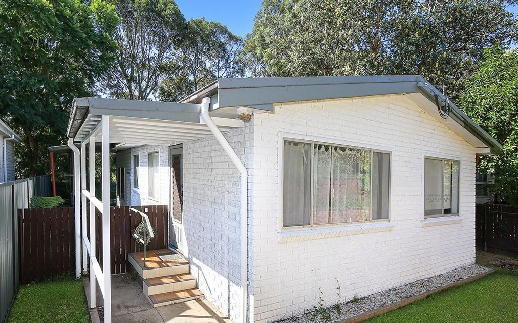 DELIGHTFUL RENOVATED FAMILY HOME!