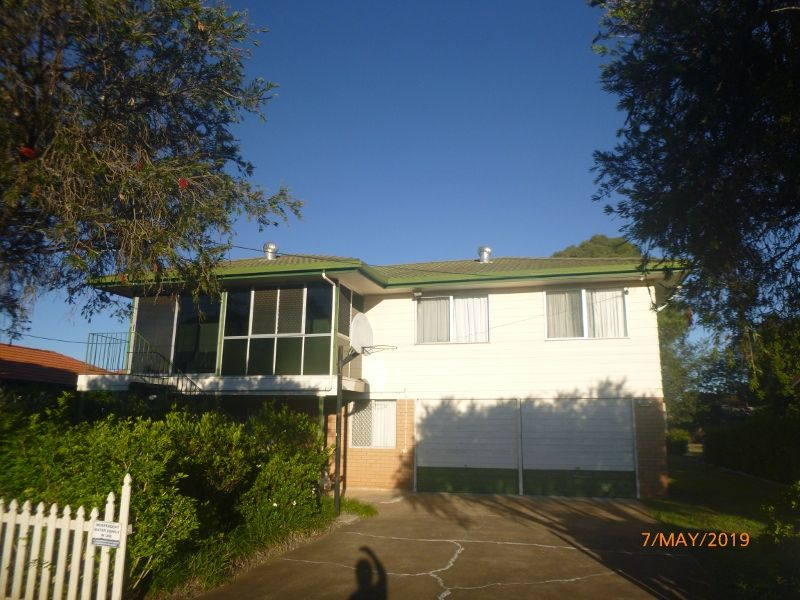 Furnished House walk to CBD