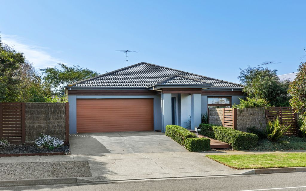 Family friendly home with wetland frontage