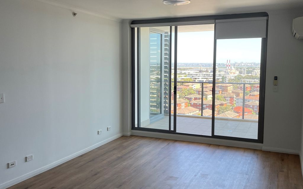 Nice Views, Great Unit – South Point Tower