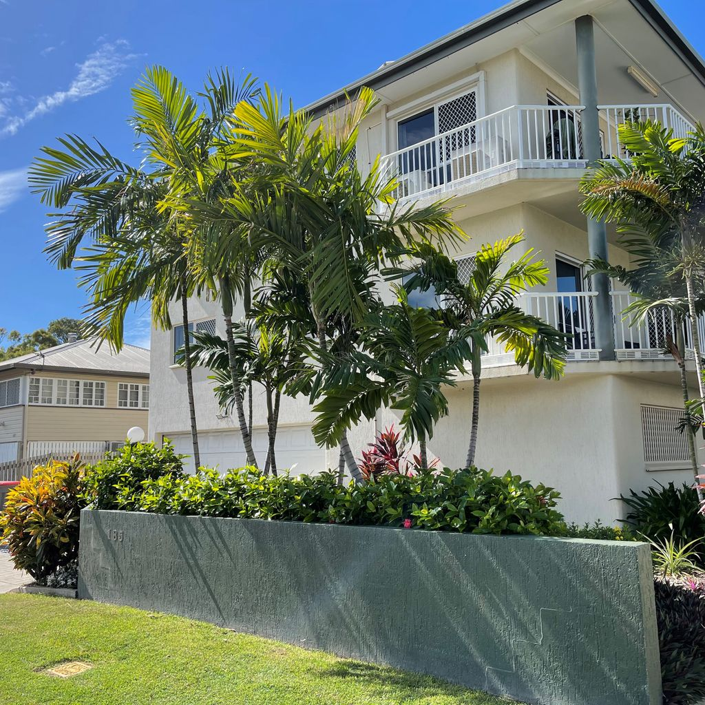 Location Location…One block from the Strand! – Fully furnished!