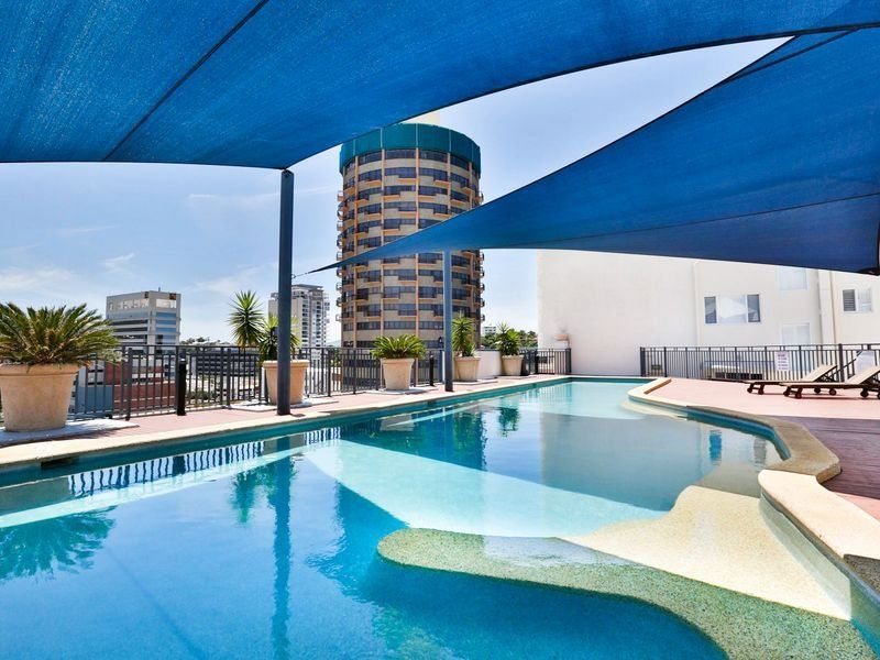 Heart of the city – FULLY FURNISHED!