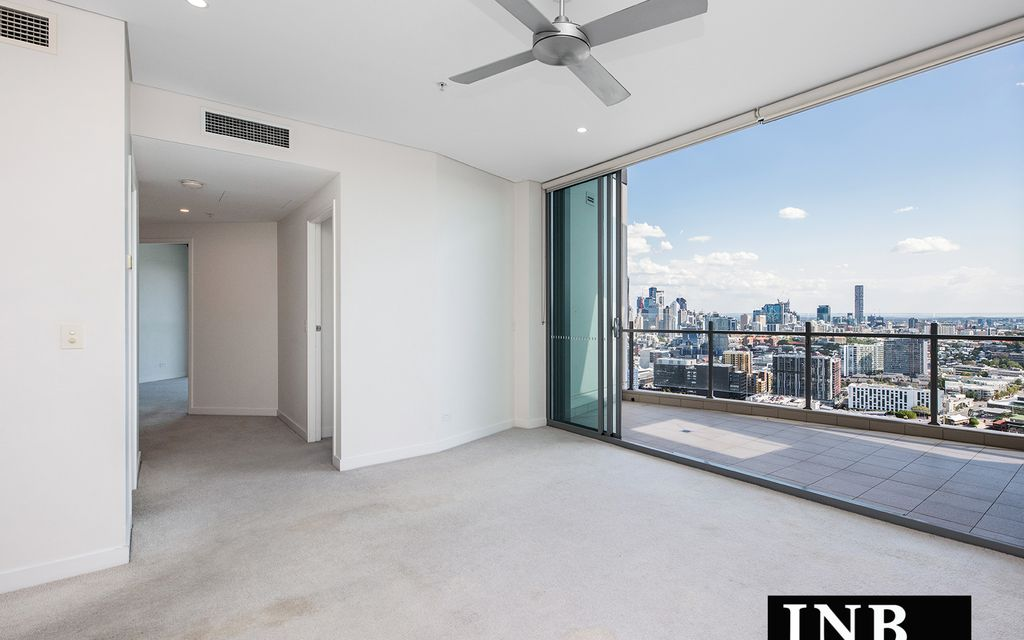 Living with Spectacular City Views