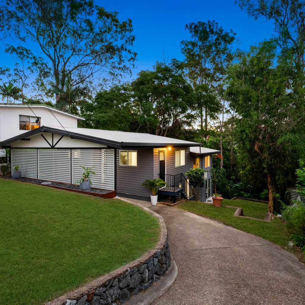 RENOVATED COMFORT WITHIN LUSH, LEAFY SURROUNDS