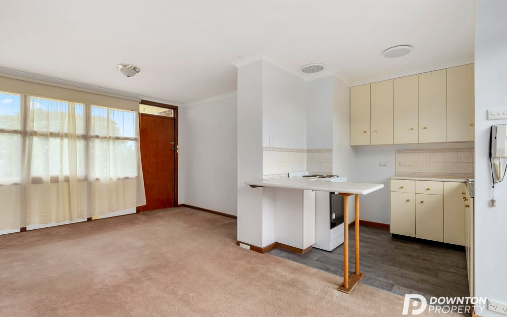 One Bedroom unit in quiet complex