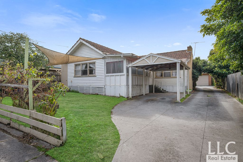 Rare Investment or Renovation Opportunity at Ringwood Central