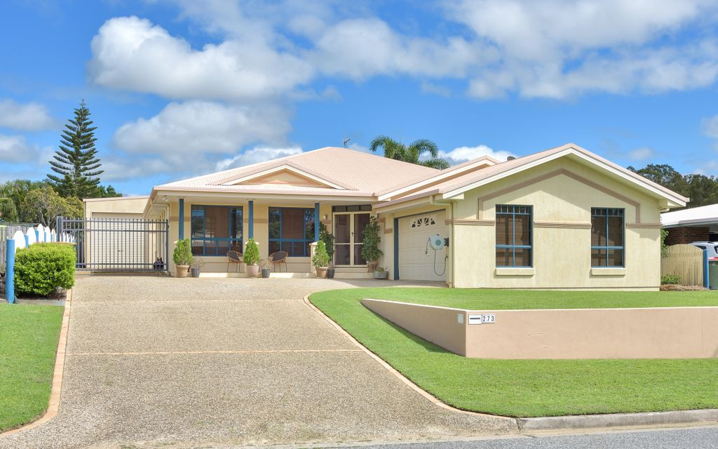 Spacious 3 bedroom brick lowset with large shed!