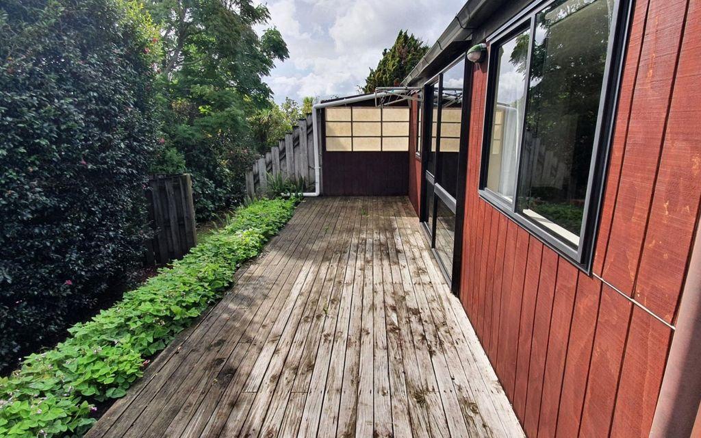 2 bedroom duplex with large deck