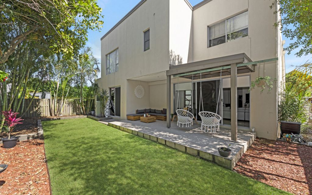 Very Large, Very Private, Four Bedroom Duplex