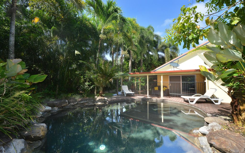 UNIT WITH POOL AND CLOSE BEACH ACCESS