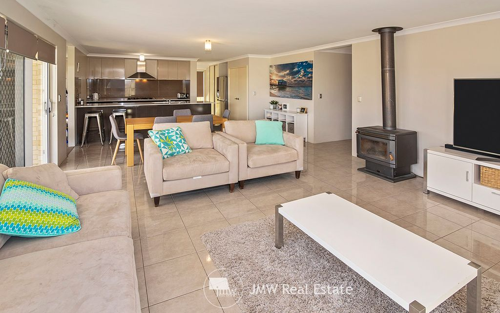 FAMILY ABODE IMMACULATE THROUGHOUT