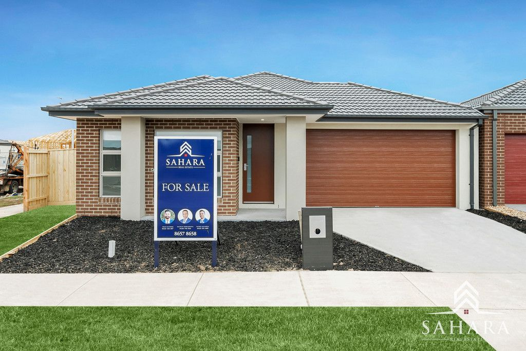 Great family home in Heart of Tarneit !!!!!