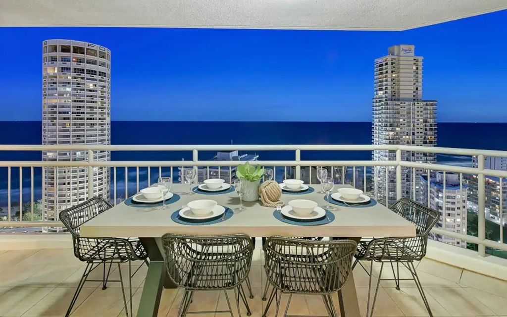 LIVE IN OR RENT OUT THIS LUXURIOUS SPACIOUS BEACHSIDE APARTMENT.