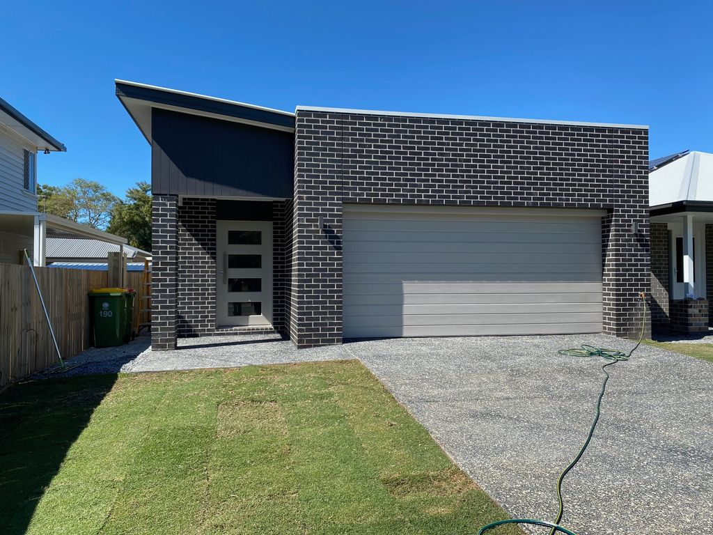 Near new family home – Ducted A/C and Solar !! UNDER APPLICATION !!!
