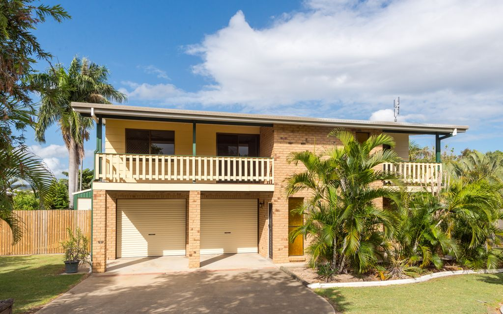 Great family home with side access and shed!