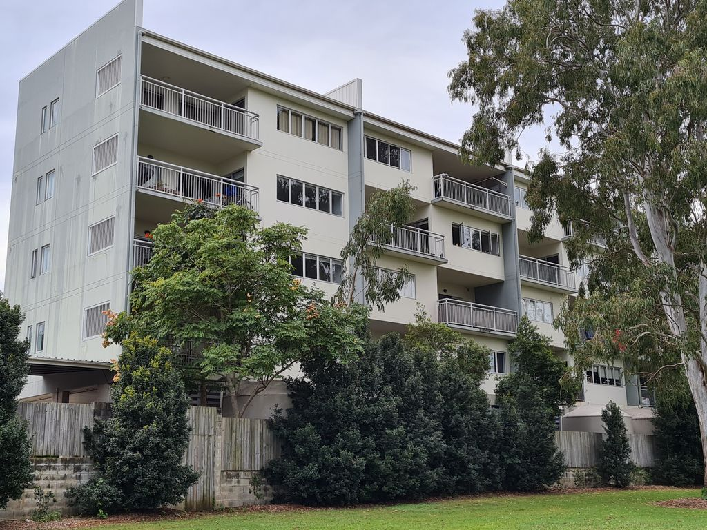 Two Bedroom Unit – Walk to Shops