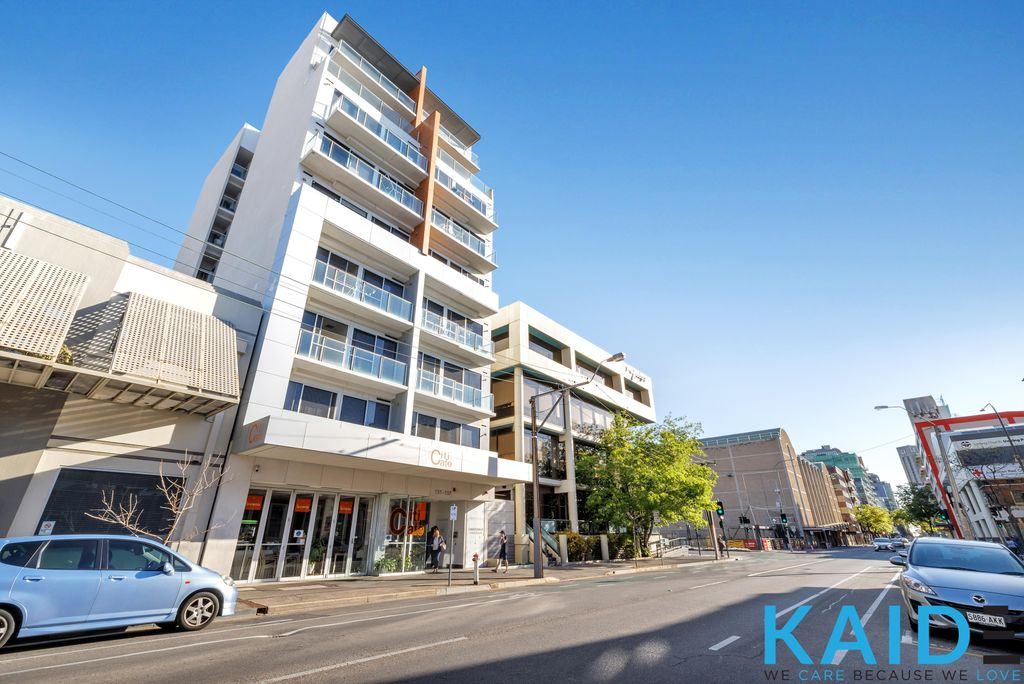 (Leased)COZY MODERN APARTMENT IN ADELAIDE CENTER