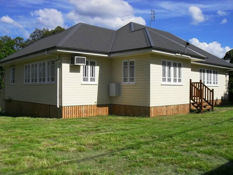 3 Bedroom home close to town