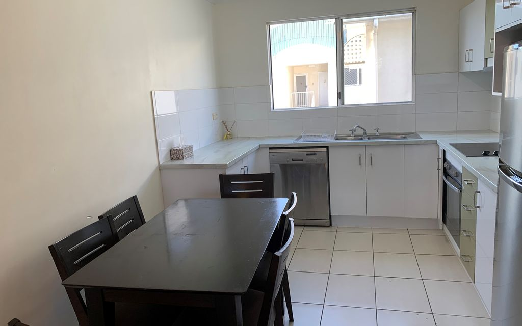 2 Bedroom Self Contained Unit Close to Palmer St.