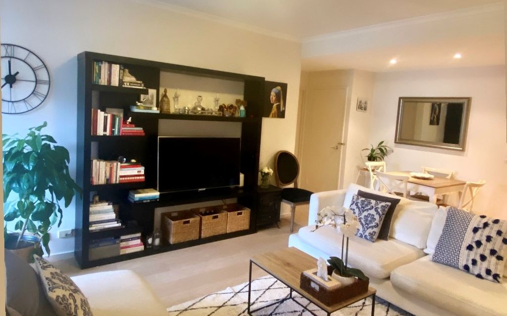 Outstanding  (Unfurnished) One Bedroom with Park Aspect