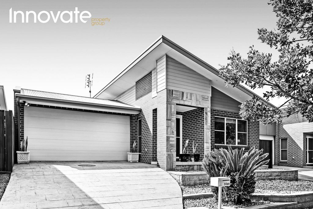 Desirable and Central Low-maintenance Living