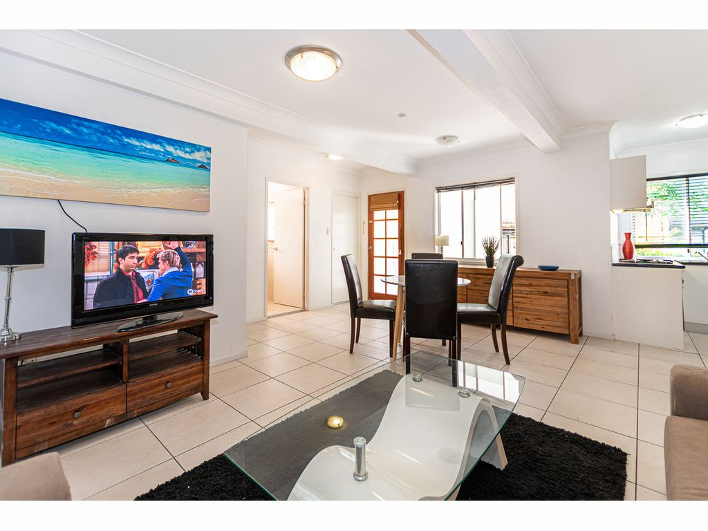 Furnished or Unfurnished Duplex in Kangaroo Point.