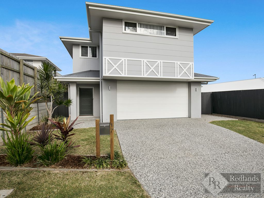 BEAUTIFULLY PRESENTED HOME !