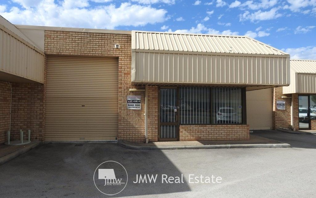 COLLIER ROAD FRONTAGE. 306 SQM UNIT WITH 103 SQM REAR YARD. TOP EXPOSURE