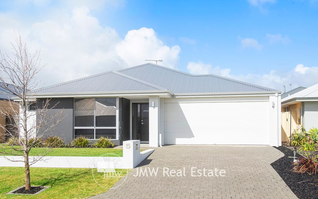 STREET APPEAL, LOW MAINTENANCE AND VERSATILE LIVING