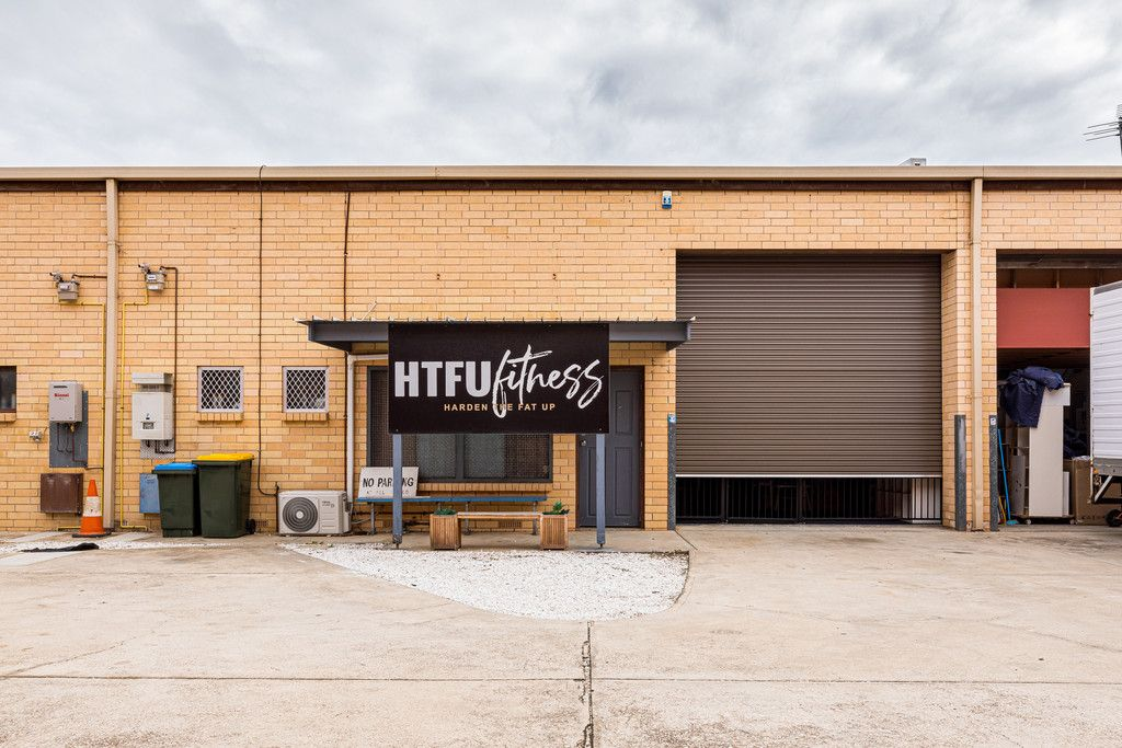 Fantastic Warehouse/Leased Investment