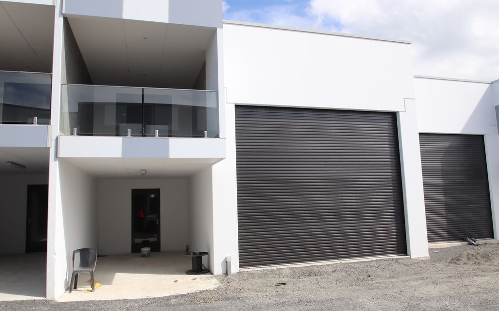 Brand New High Clearance concrete panel warehouse