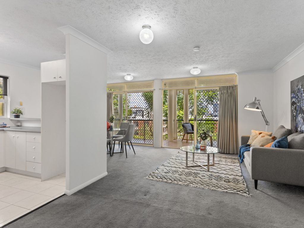 Lifestyle ready haven in desirable New Farm
