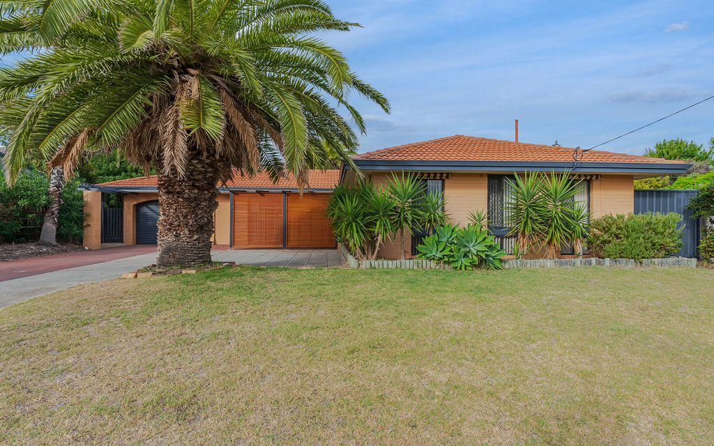 PRIME LOCATION – WALKING DISTANCE TO HILLARYS BOAT HARBOUR AND BEACH
