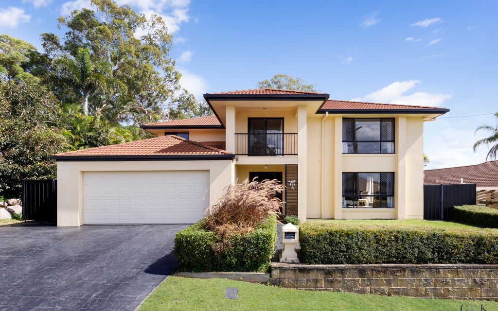 LARGE SOLID FAMILY HOME ON 602SQM