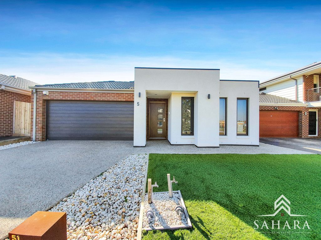 A Place To Call Home in Wyndham Vale !!!