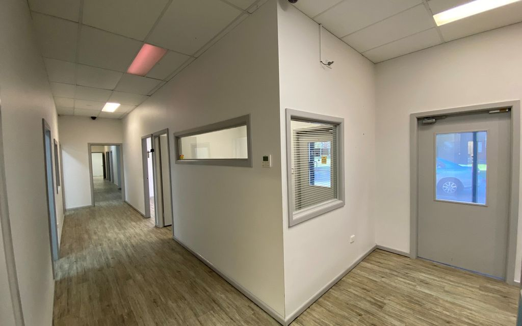 GROUND FLOOR MEDICAL/CONSULTING OFFICE SPACE WITH PARKING