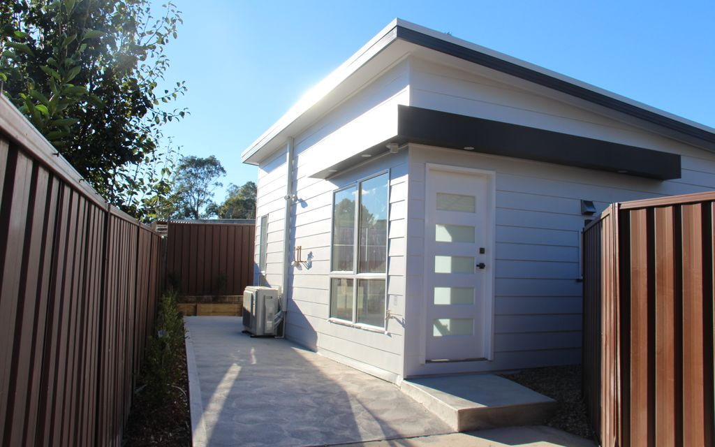 2 BEDROOM GRANNY FLAT, 3 YEARS YOUNG – AVAILABLE 21ST MAY 2021
