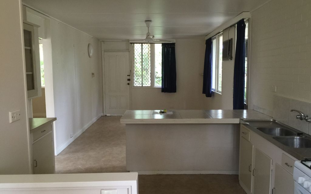 TWO BEDROOM UNIT – CLOSE TO TRAIN & SHOPS