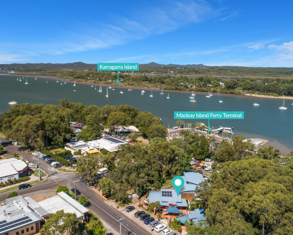 Well Positioned Retail/residential complex on Macleay Island