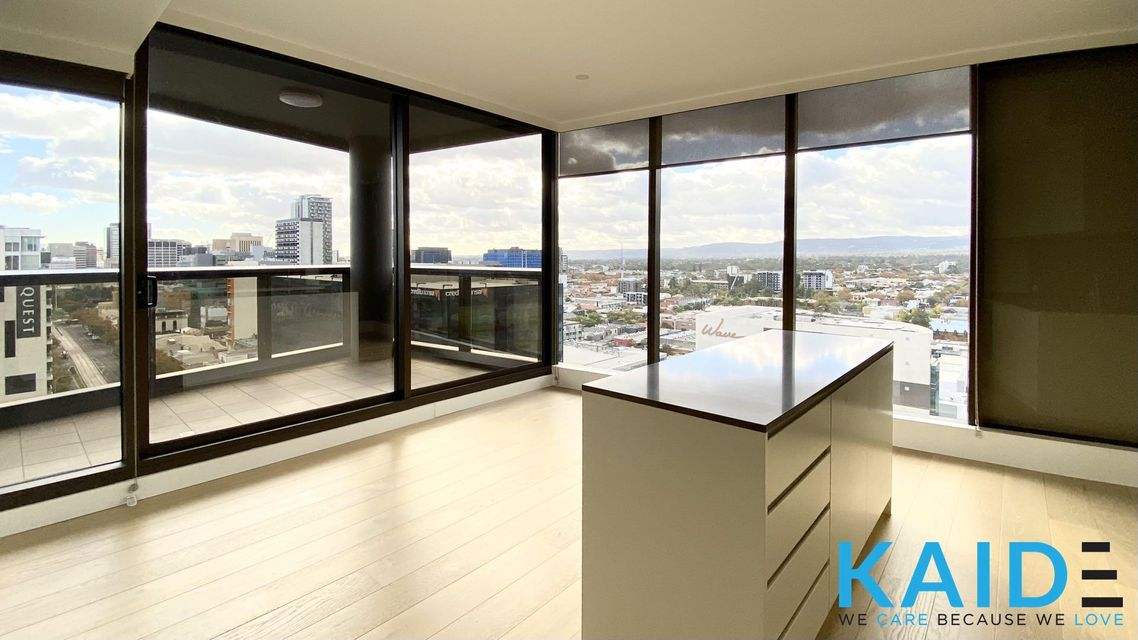 FANCY APARMENT WITH GREAT CITY AND HILL VIEW IN ADELAIDE CITY