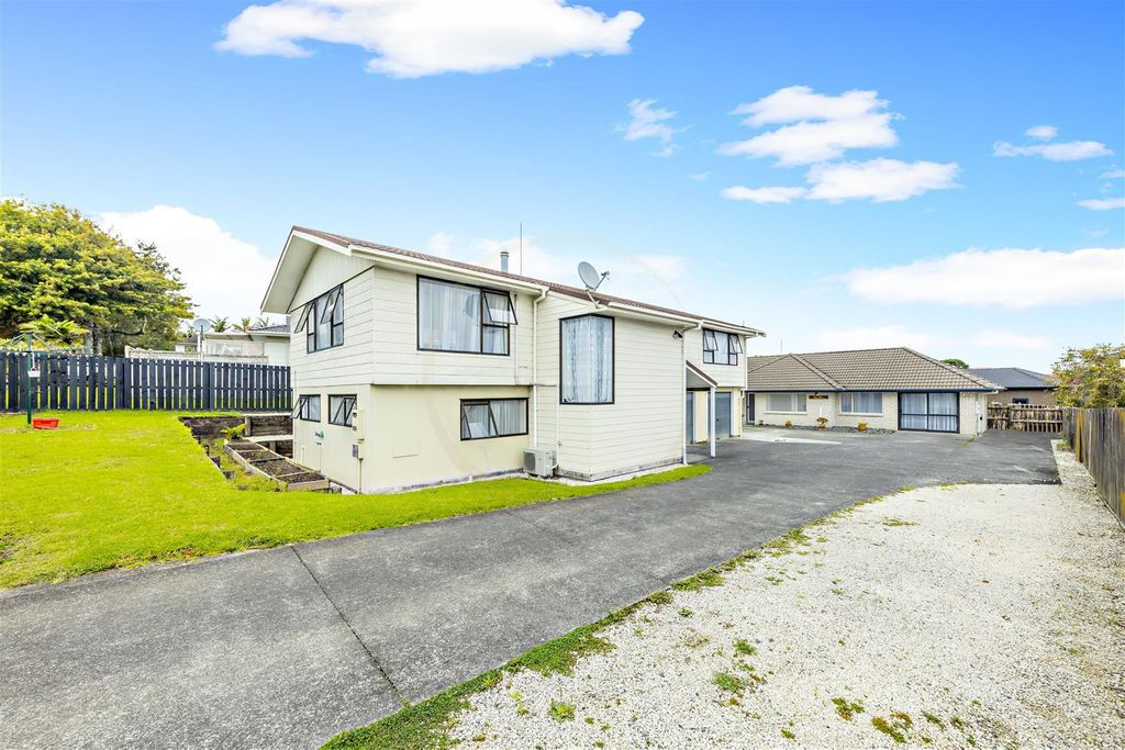 AFFORDABLE  5 BRMS  IN  HOLLYFORD- PRICE WILL SURPRISE