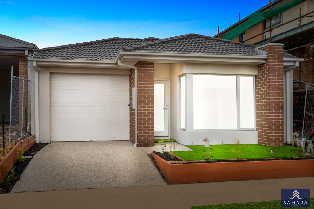 Bright, Contemporary And Positioned To Please!!