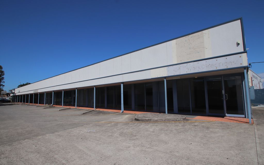 LARGE DAPTO OFFICE SPACE WITH PARKING