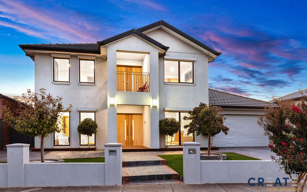 SUPERIOR EXECUTIVE FAMILY HOME IN BOUTIQUE CAIRNLEA LOCATION
