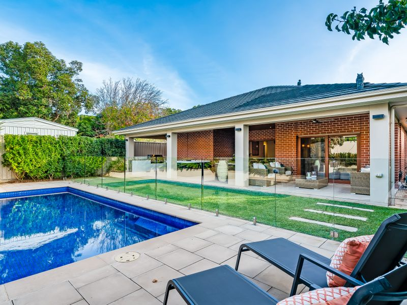 A HOME IN A CLASS OF ITS OWN – Offers Close Saturday 15th 2:00pm