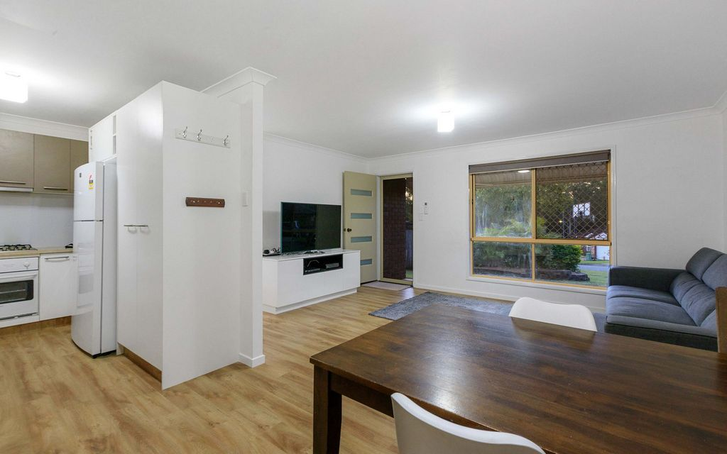 Renovated Low Set in Fantastic Location!