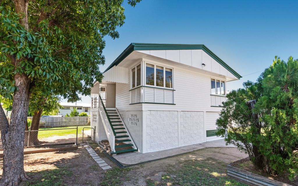 Highset Home on fully fenced 607m block