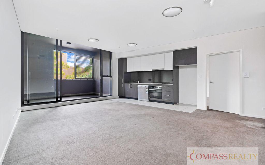 Stylish 2 Bedroom apartment located in  Emerald Park Complex Zetland – Brand new Timber floor!!