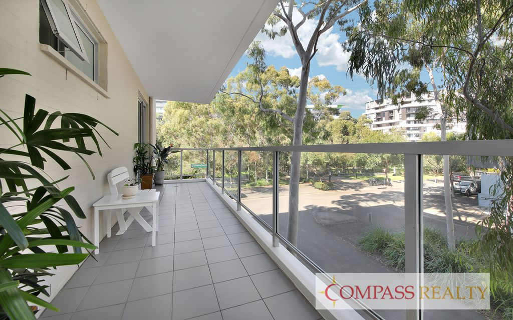 Compass Realty – Park view, Stylish Two Bedroom with Study in Zetland