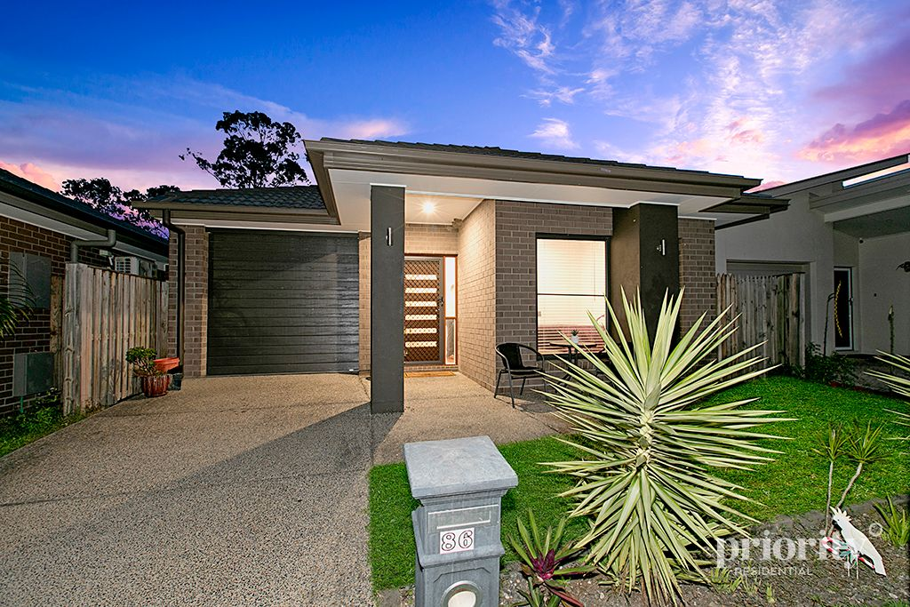 NEARLY NEW METRICON MODERN FAMILY HOME OR PERFECT INVESTMENT YOU NEED!